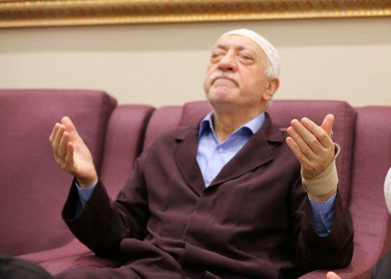 Според бившия полицейски началник Адил Саджан през 2006 г. около 80% от високите постове в полицията се заемат от гюленисти.