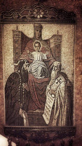 """Иконата от иконостаса на """"Св. Стефан"""" в Цариград е единствената икона в света, чийто сюжет изобразява как светите равноапостолни братя даряват славянската азбука на Богородица. Възрожденците, обявиха в """"Св. Стефан"""" на света, че българската нация е узряла за свободата си."""